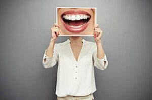 Komplett neue Zähne in Ungarn